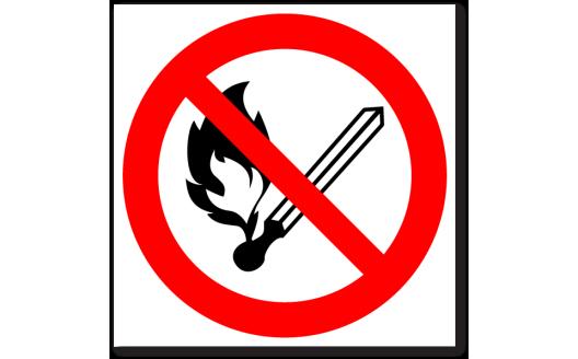 """Знак """"Запрещается пользоваться открытым огнем и курить"""""""